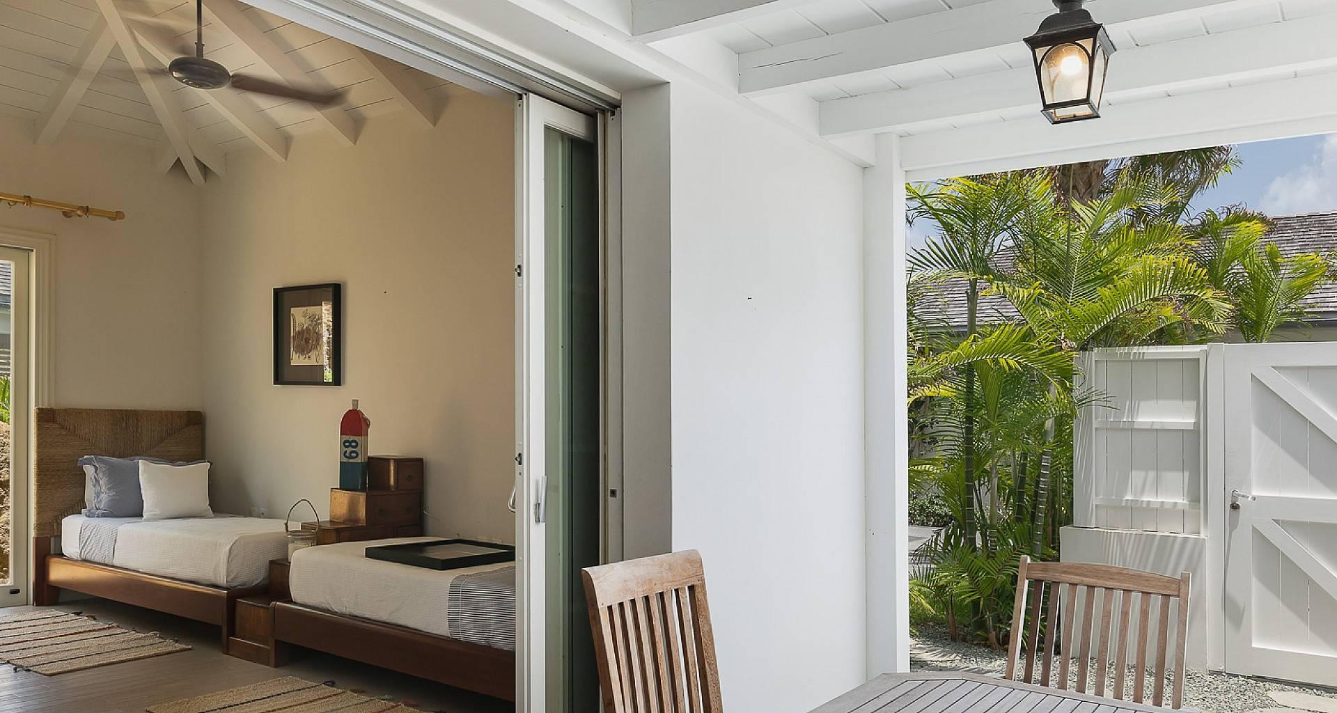 Villa Les Lataniers Guest House