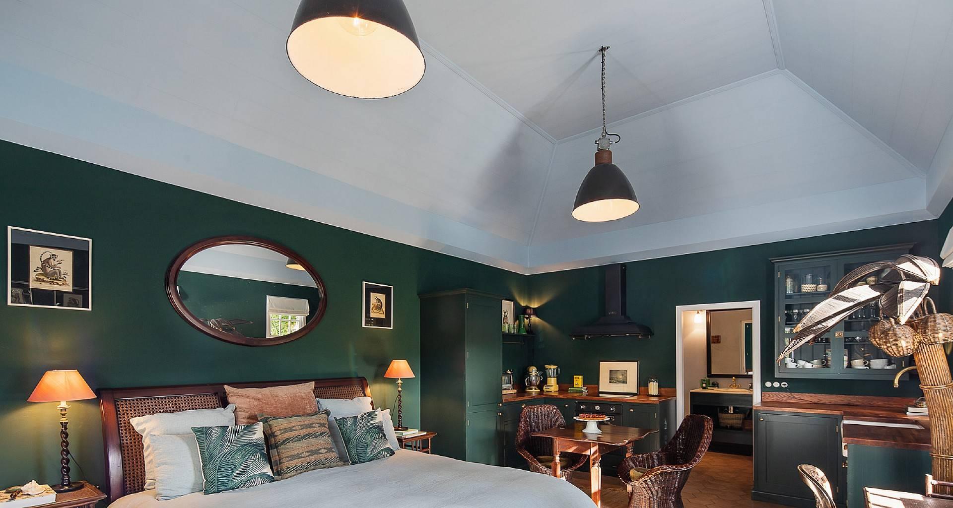 Villa Greenhouse Bedroom