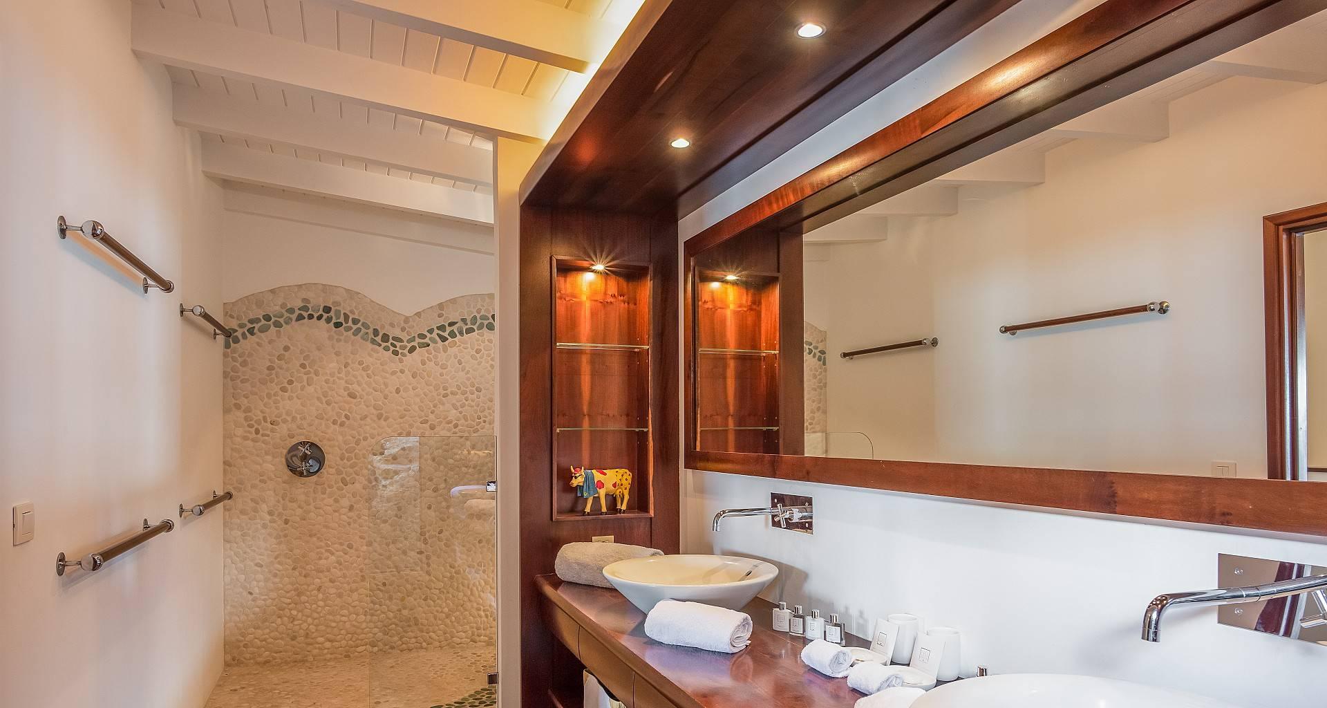 Villa Alex Bedroom
