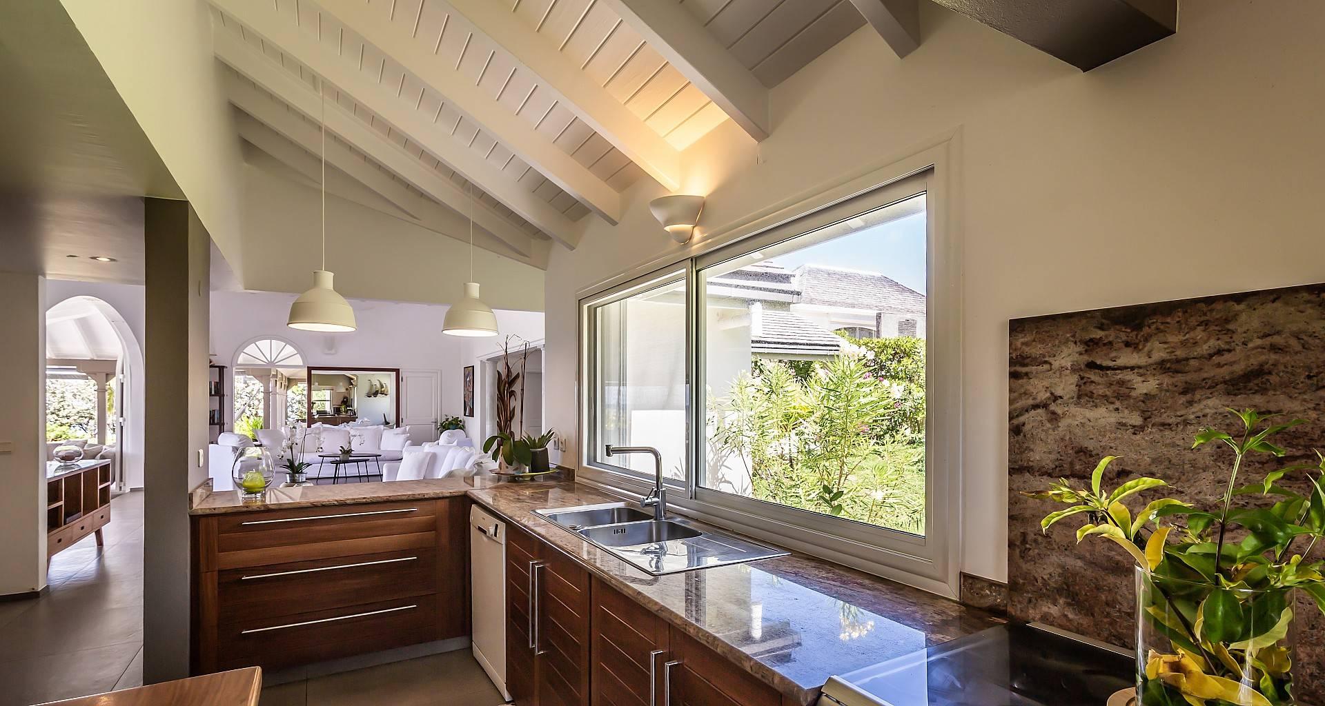 Villa La Vie en Rose Kitchen