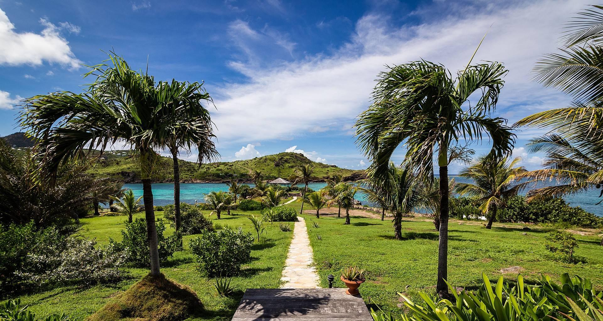 Villa La Vie en Rose Beach Access