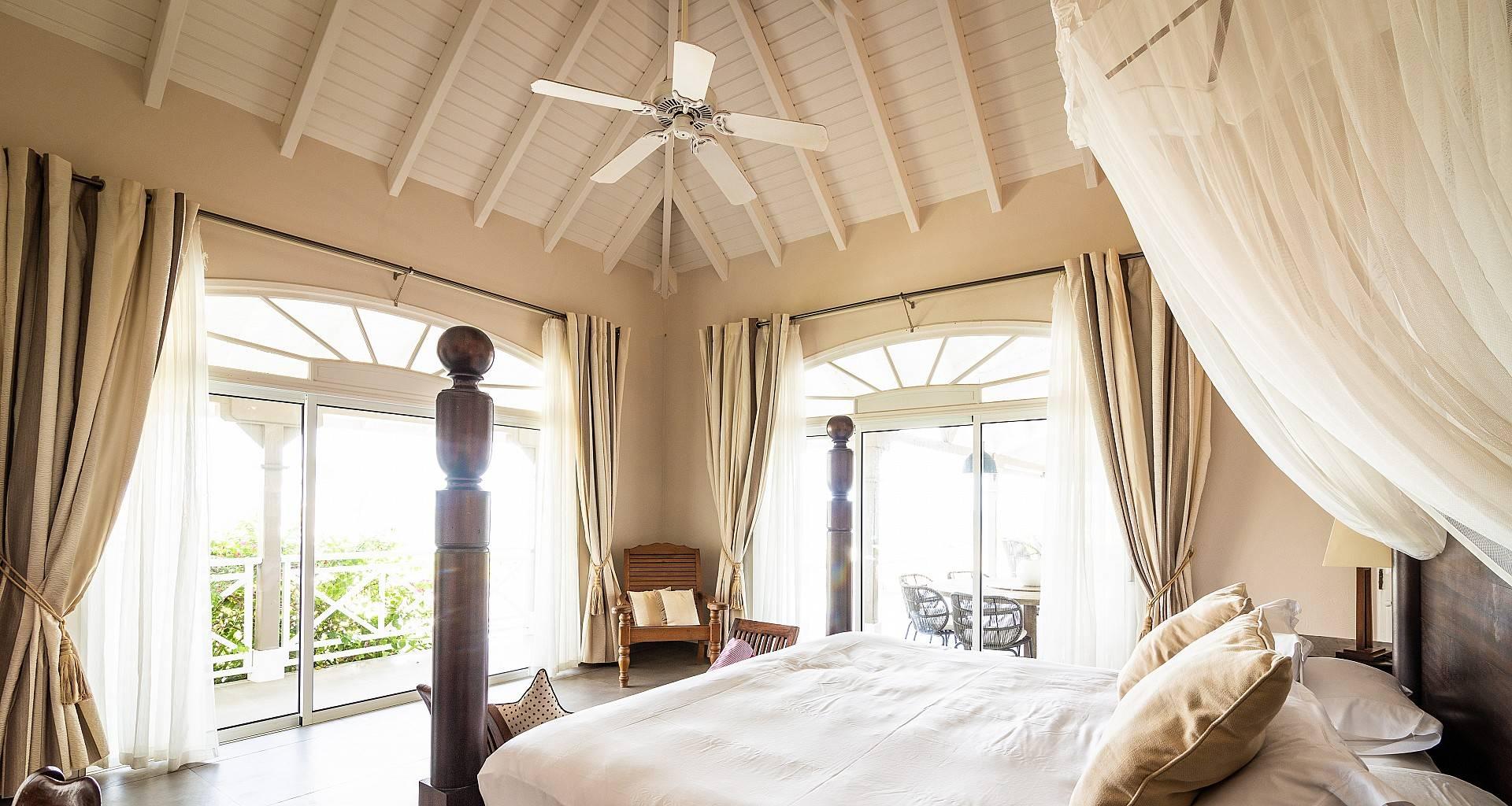 Villa La Vie en Rose Bedroom 1