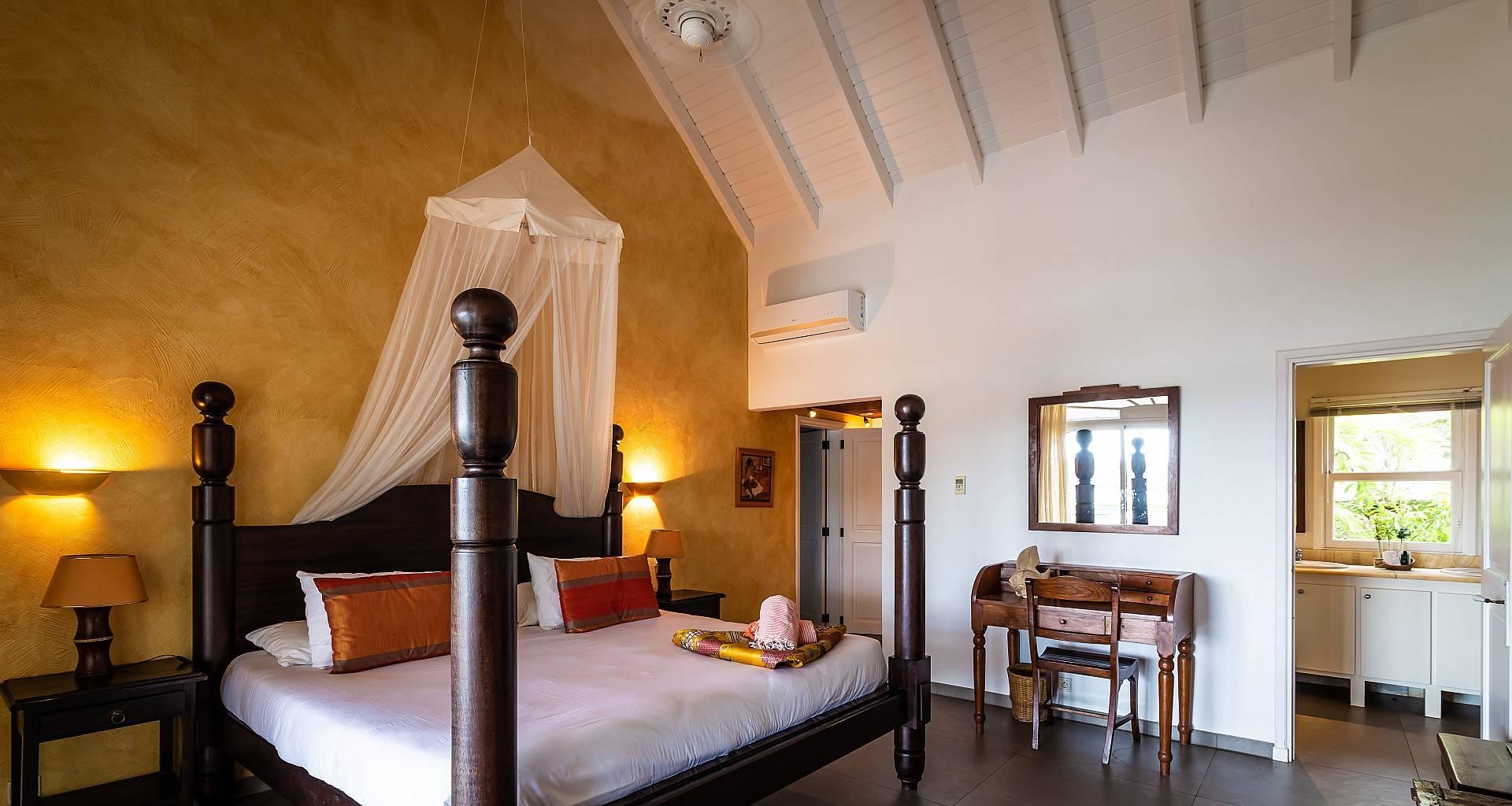 Villa La Vie en Rose Bedroom 2
