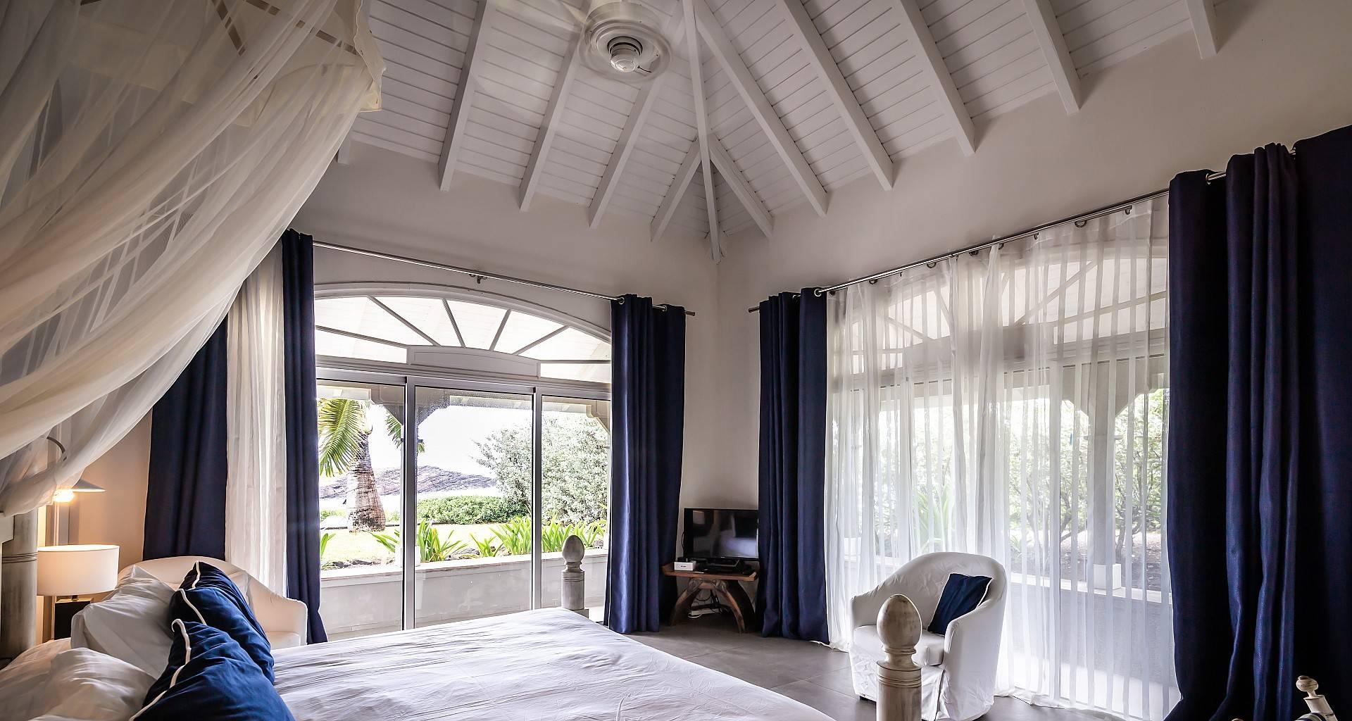 Villa La Vie en Rose Bedroom 3