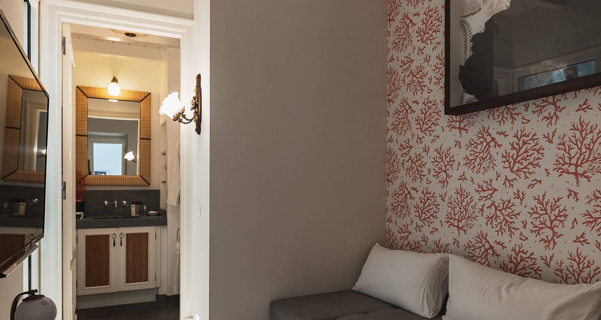 Villa Les Lataniers Hemingway's Room