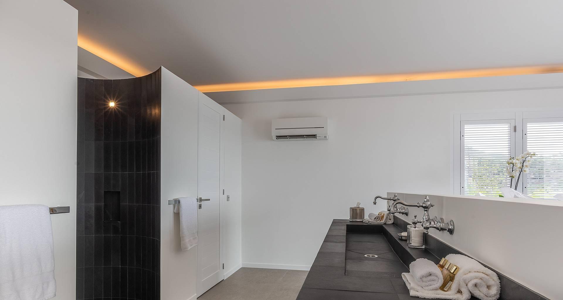 Villa Coco Bedroom 2