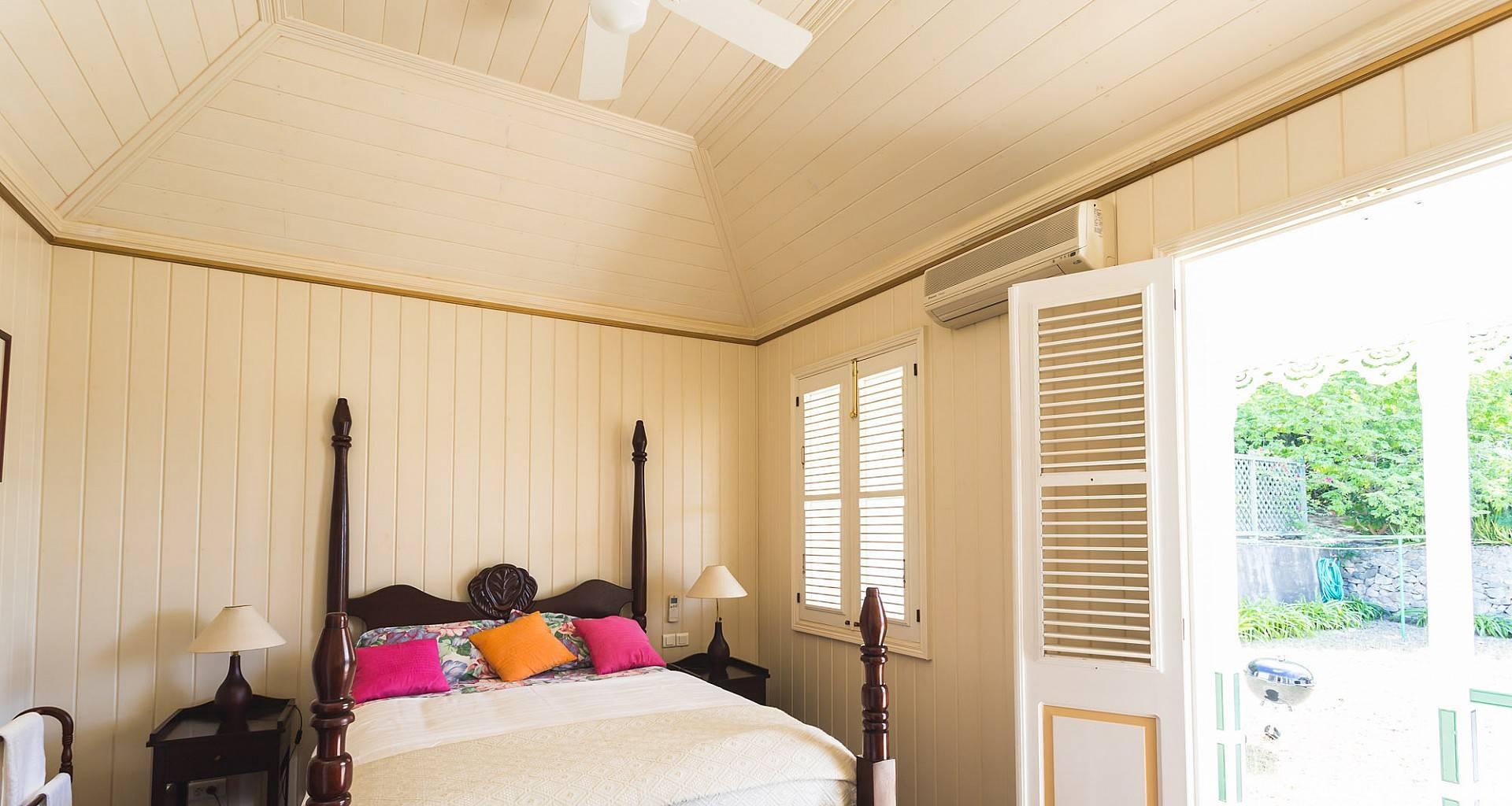 Villa Vialenc Bedroom 1