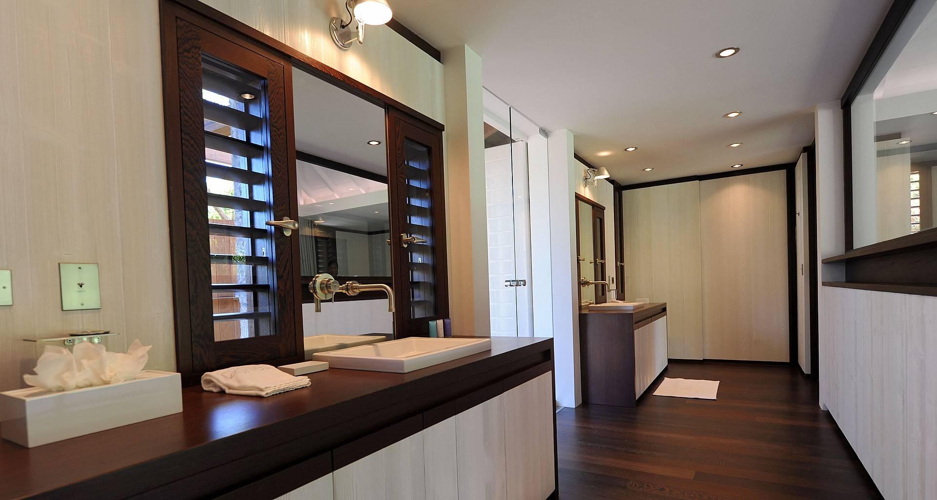 Villa Dunes Bedroom 5