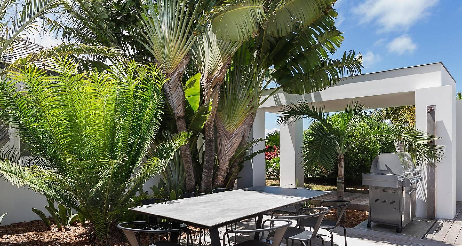Villa Olive BBQ Area