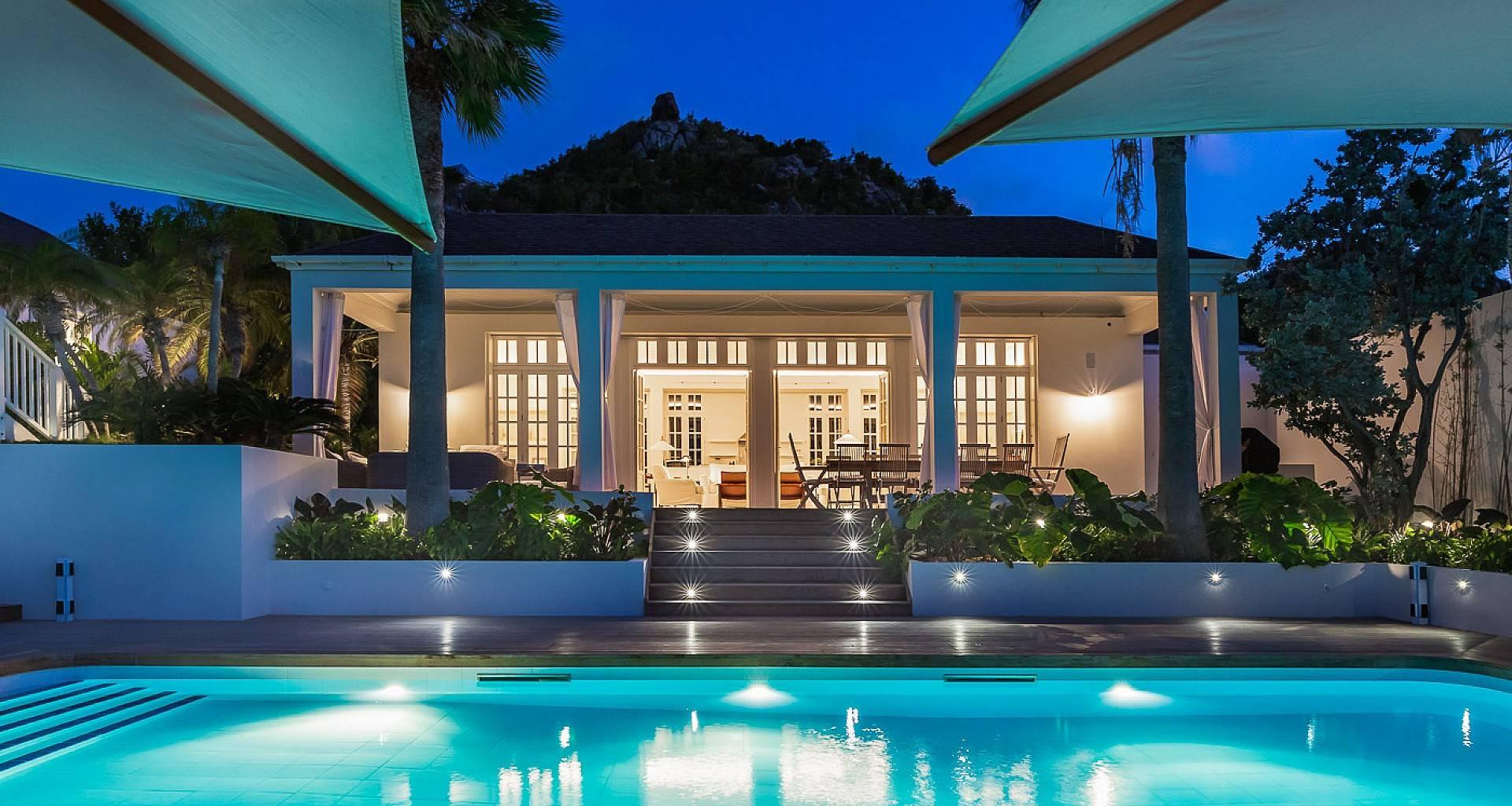 Villa Ela Outside