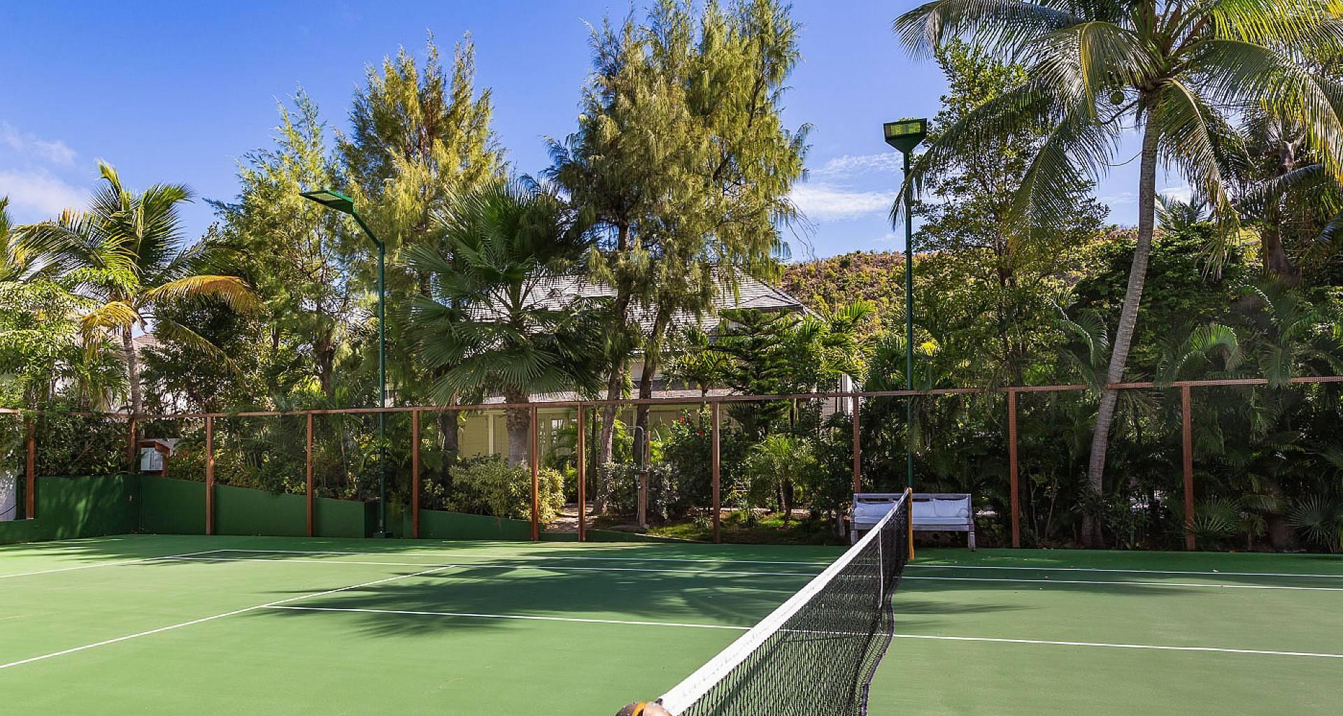 Villa Ela Tennis Court