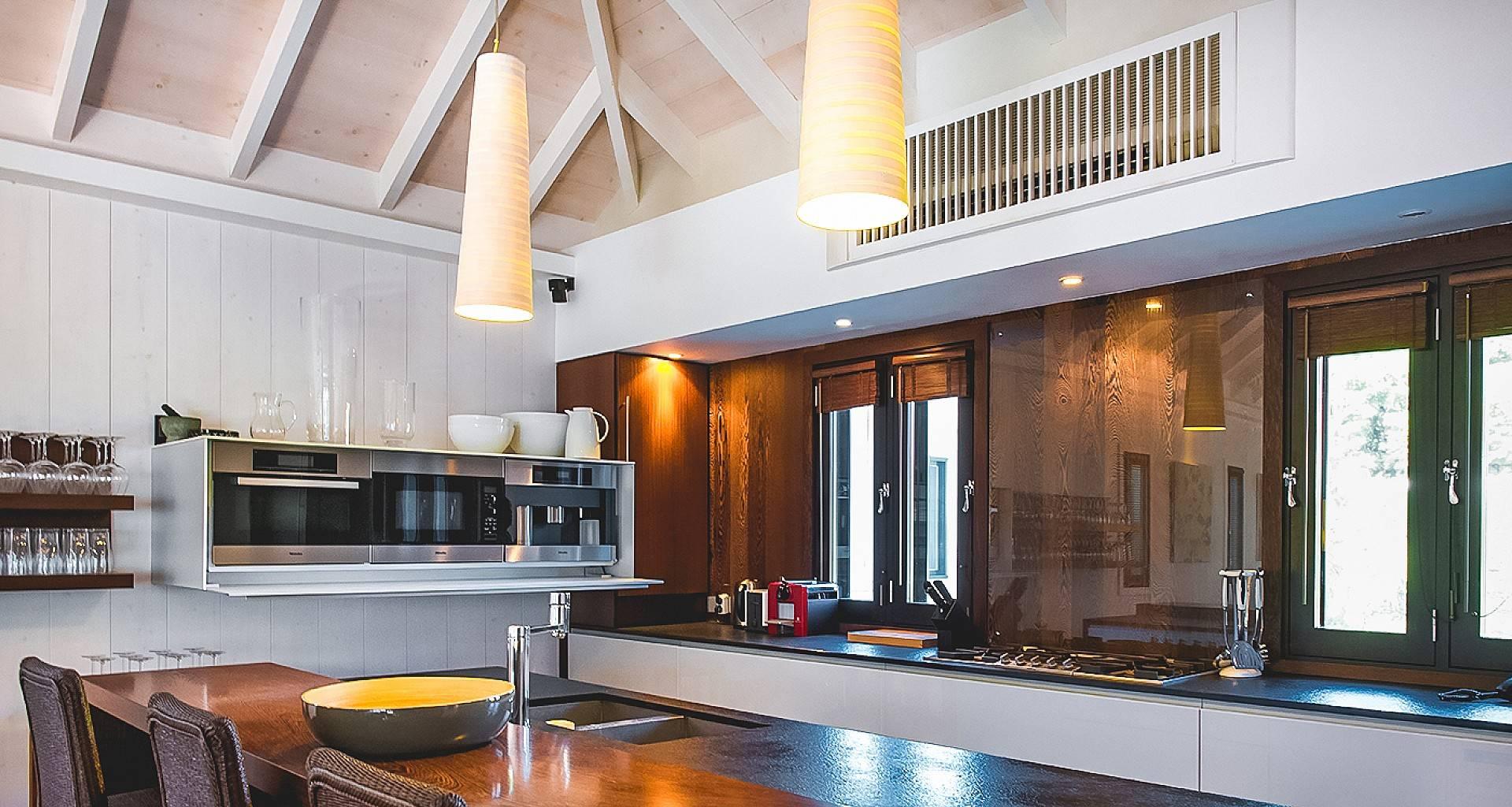 Villa BOM Kitchen