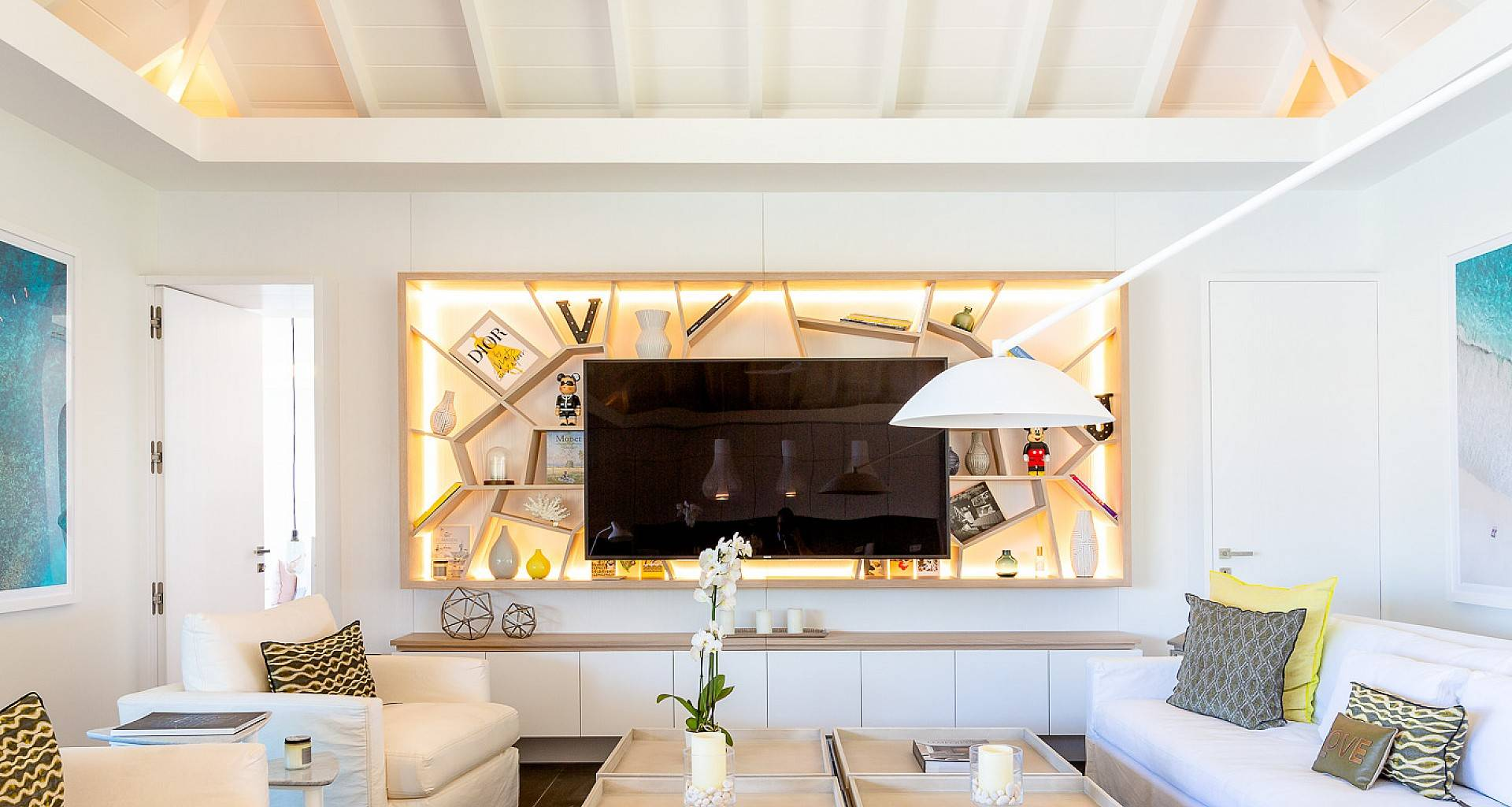 Villa June Living Area
