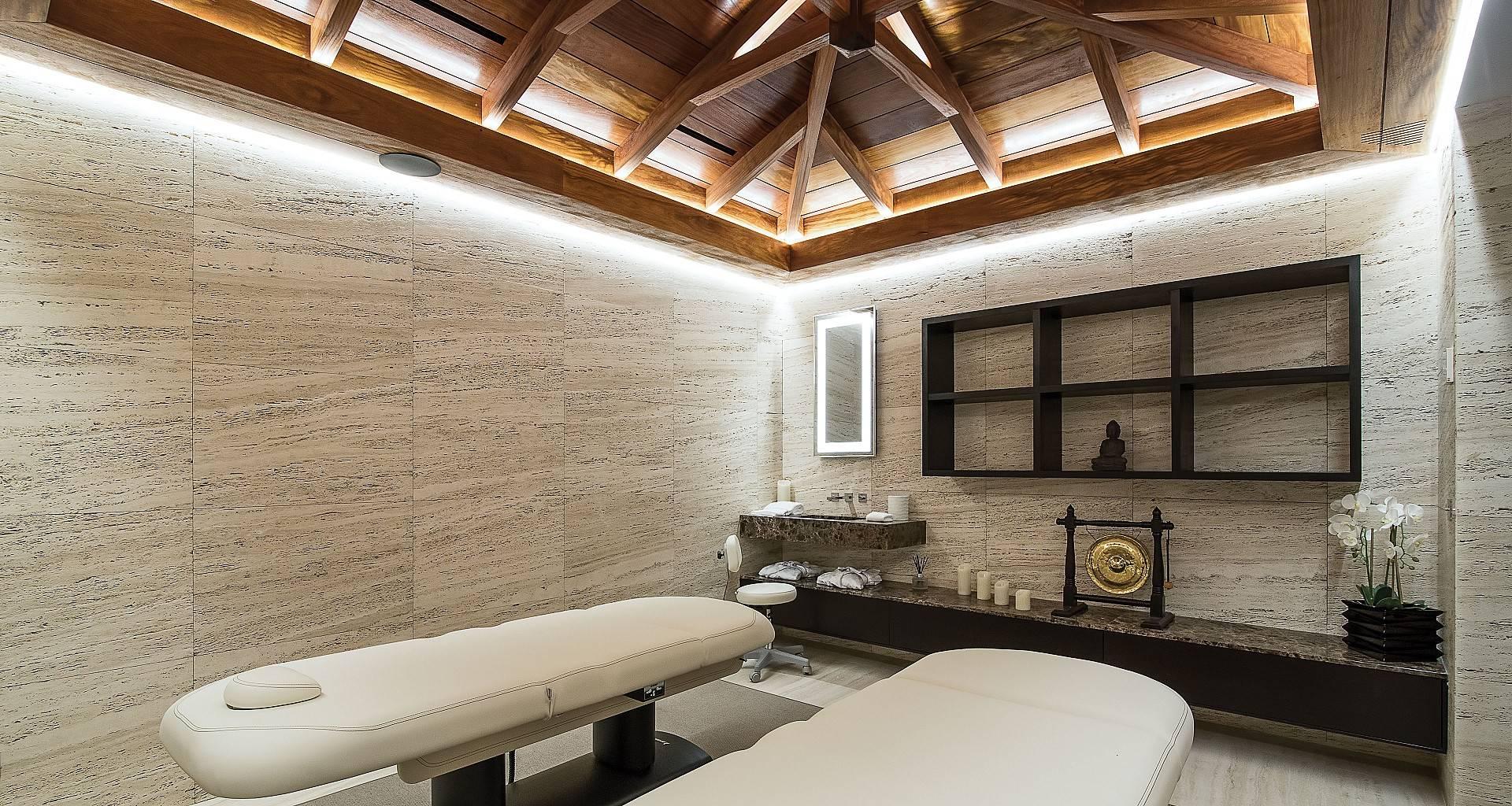 Villa Wake Up Massage Room