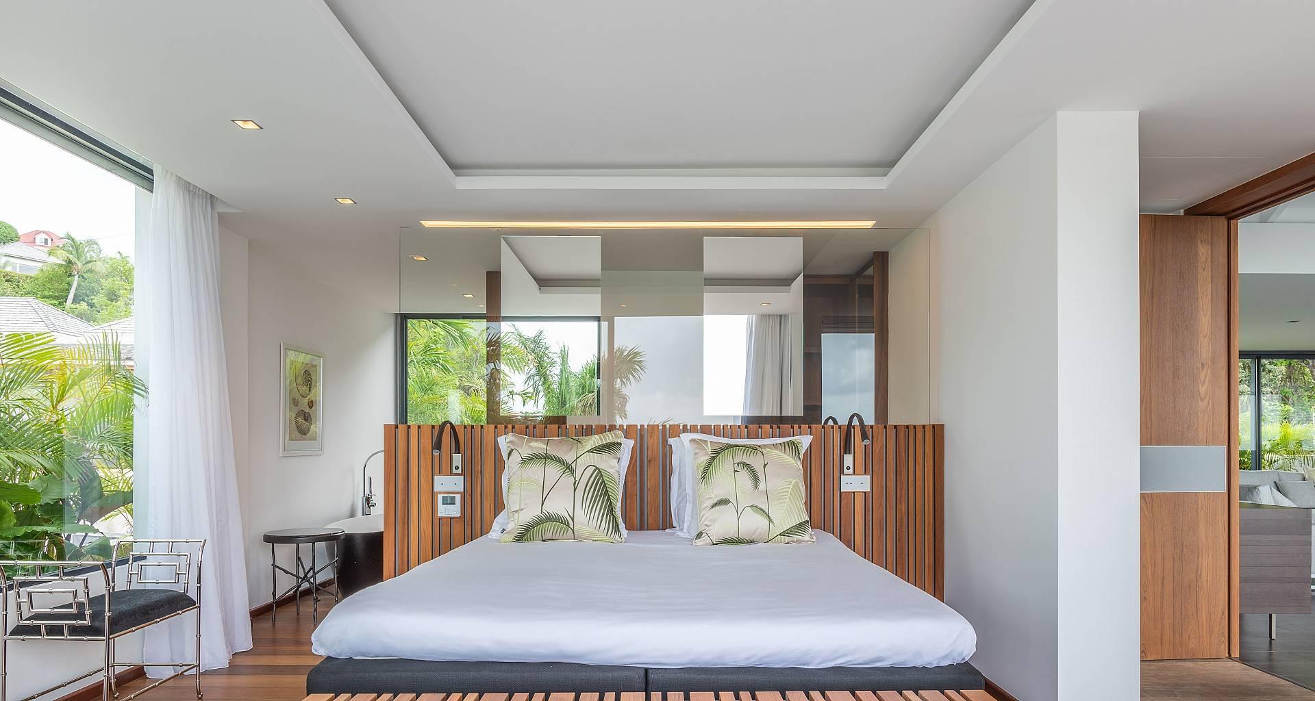 Villa Golden Palm Bedroom 1