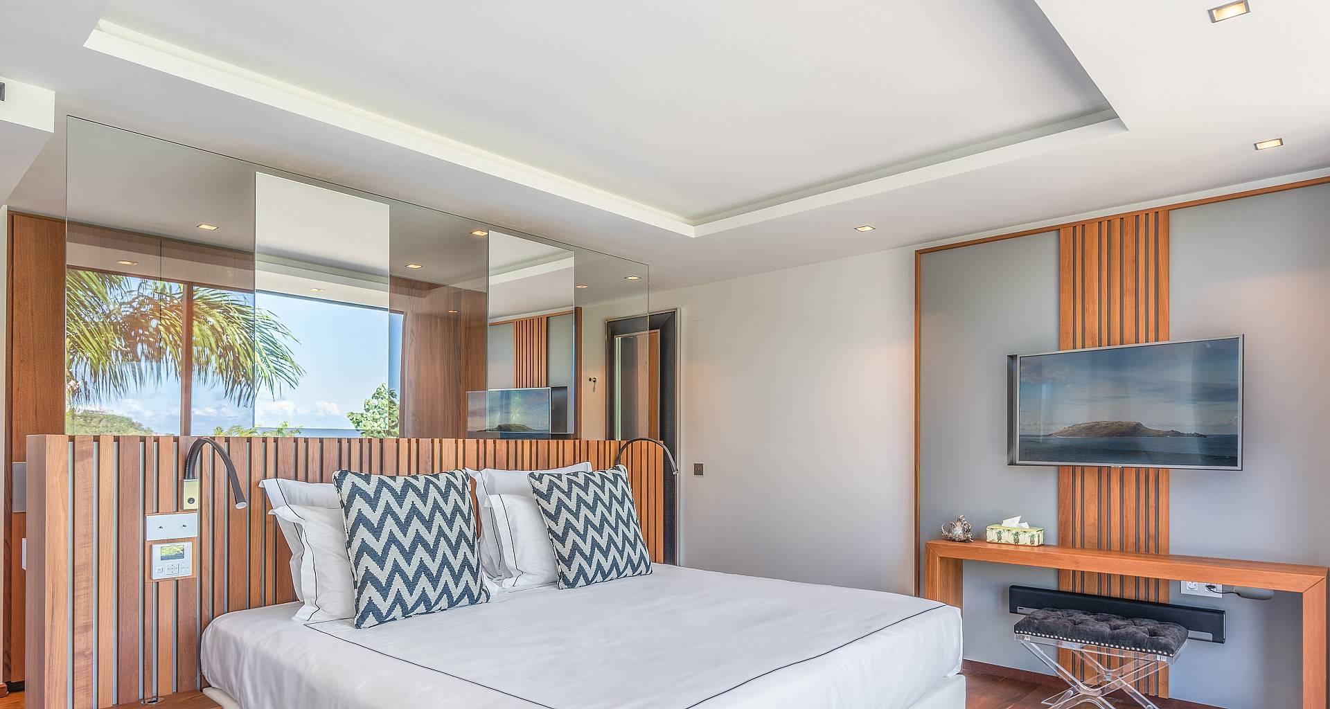 Villa Golden Palm Bedroom 3