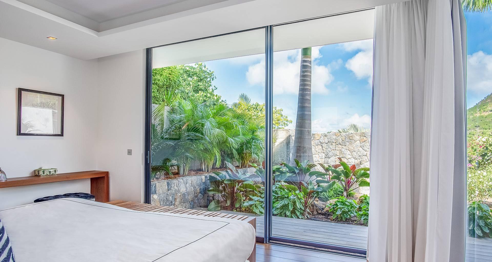 Villa Golden Palm Bedroom 5