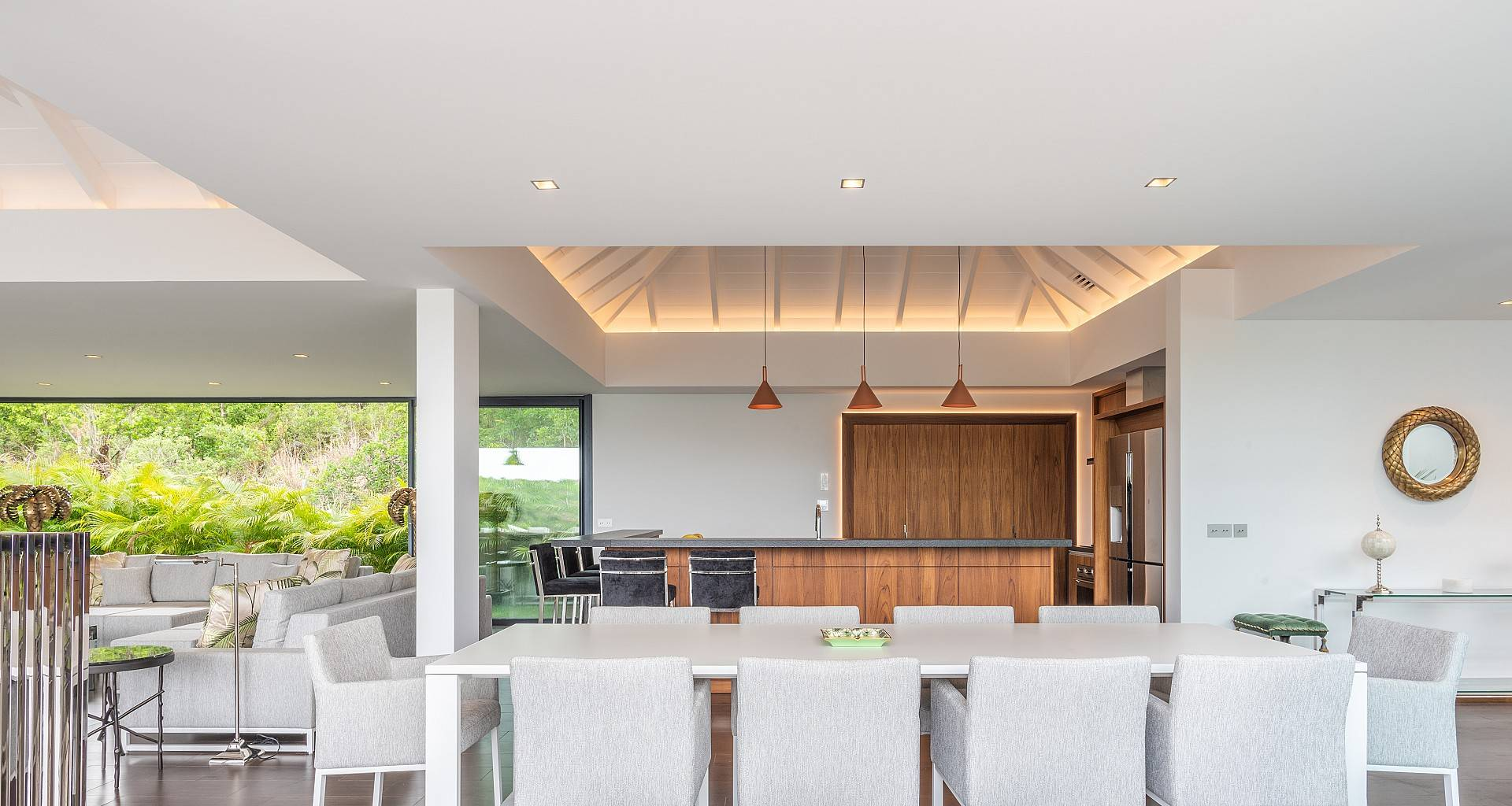 Villa Golden Palm Kitchen