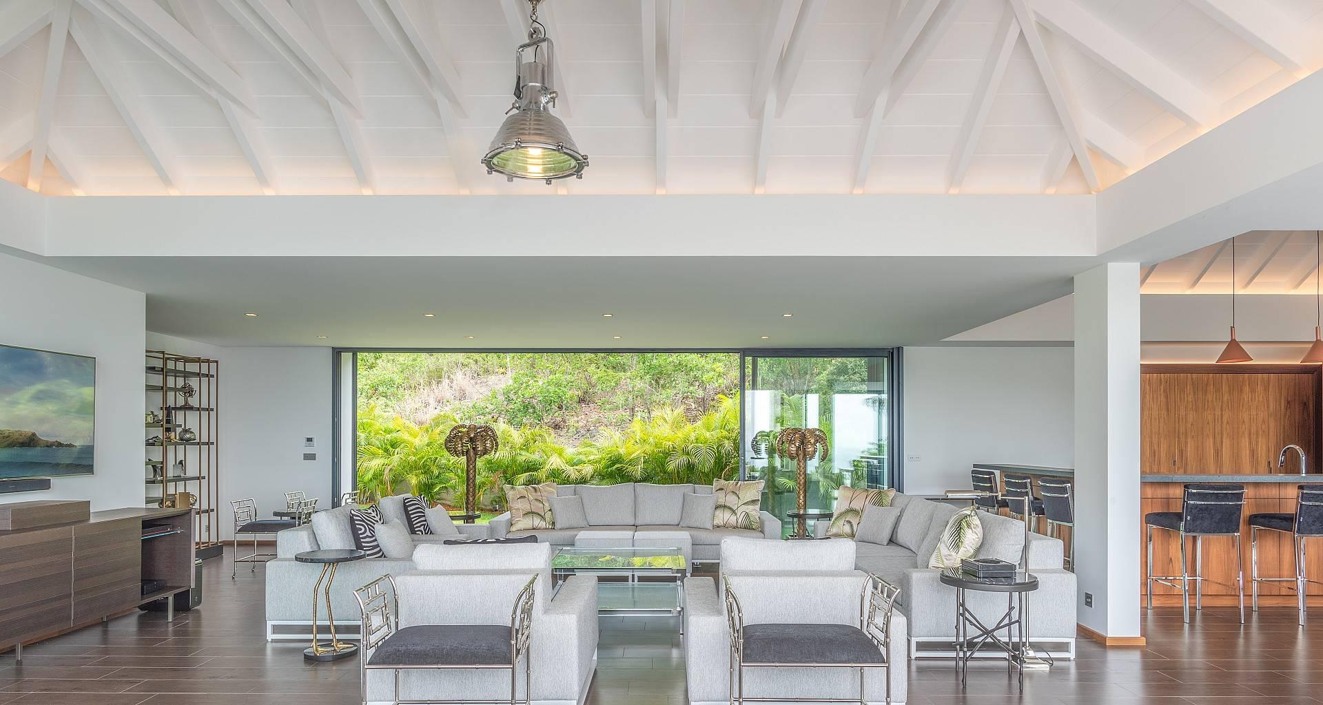 Villa Golden Palm Living Area