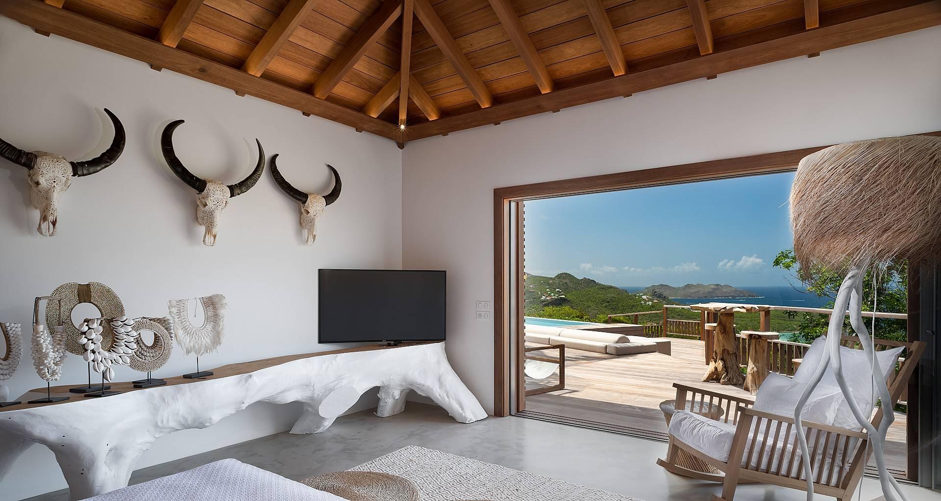 Villa Ixfalia Bedroom 1